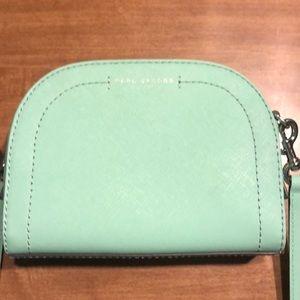 Marc Jacobs Mint purse!